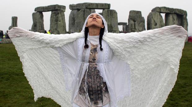 stonehenge-146619619.jpg