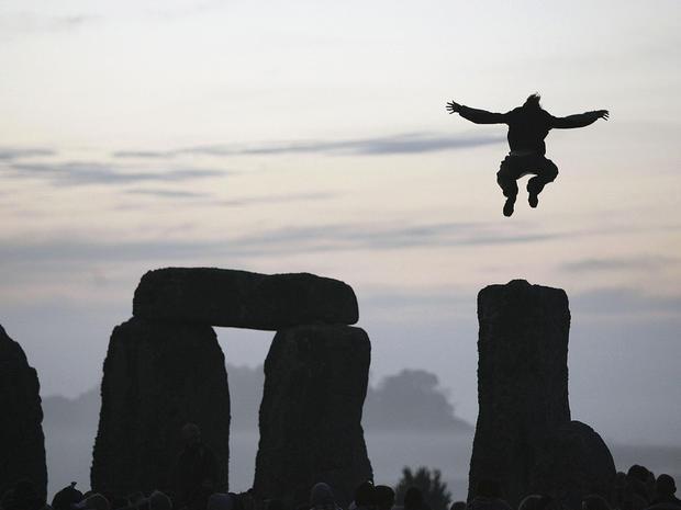 stonehenge-53109585.jpg