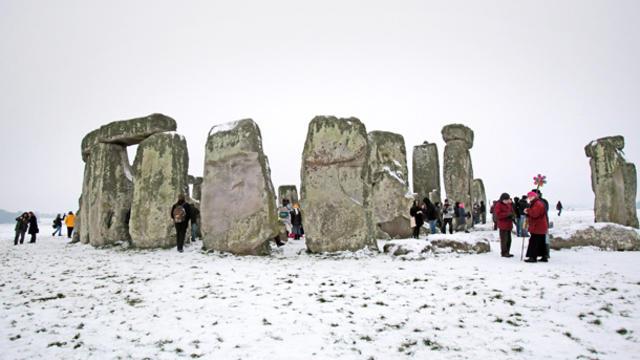 stonehenge-107729578.jpg