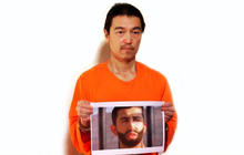 Japanese hostage pleads for his life in purported new ISIS video