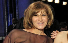 Sony Pictures exec Amy Pascal steps down in wake of hack attack