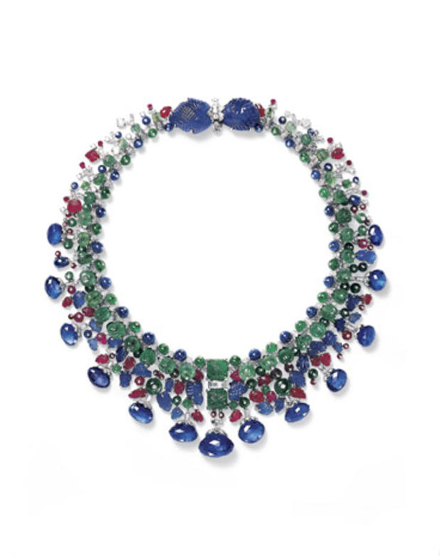 14hindu-necklace-owned-by-daisy-fellowes.jpg