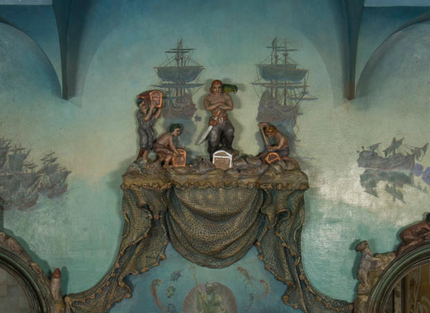 cm-fairy-castle-library-detail-pirates.jpg