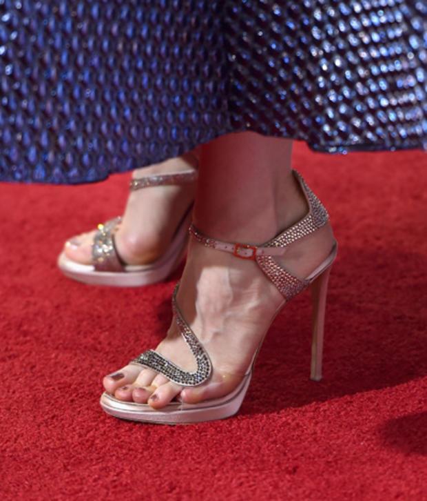 high-heels-458545722.jpg