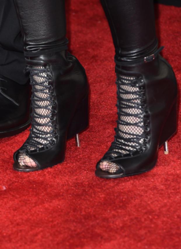 high-heels-463157778.jpg
