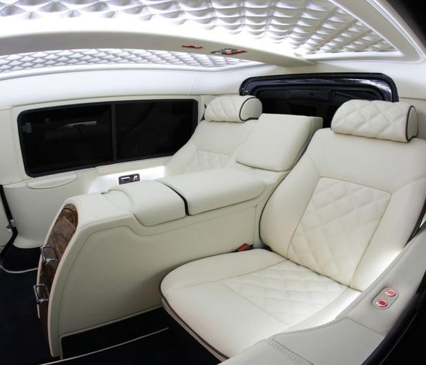 land-rover-defender-luxury-interior.jpg