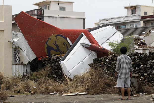 plane-crashes-reutersrtr3zwp8.jpg