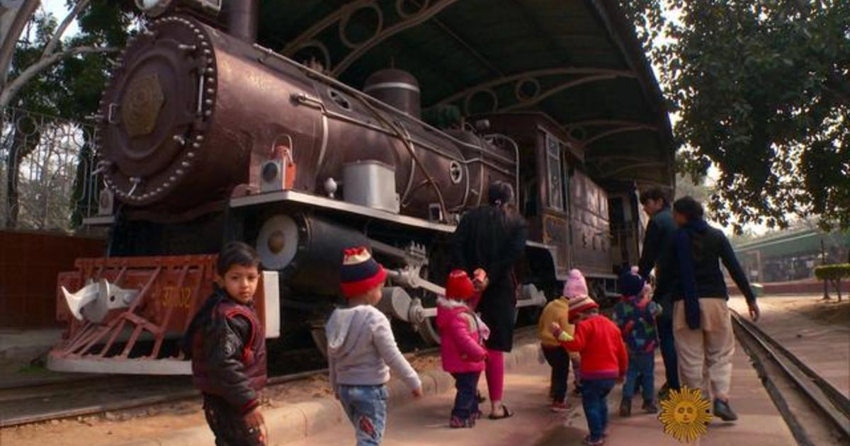Exotic Indian train ride transports tourists through time - CBS News