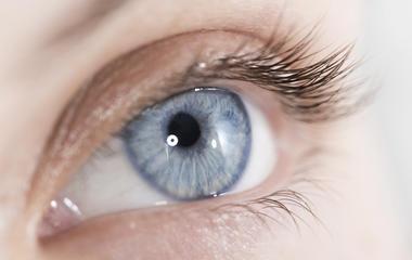 Contact lens infection acanthamoeba keratitis leads to man losing ...