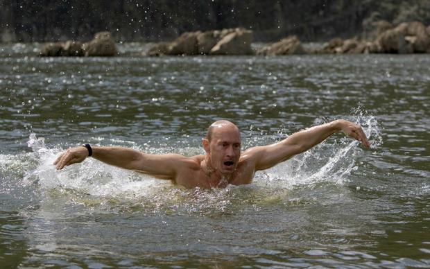 putinswimmingrtr26f3x.jpg