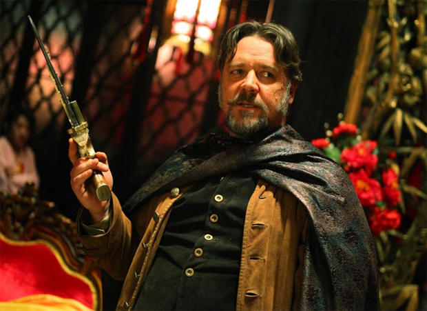 russell-crowe-man-with-the-iron-fists.jpg