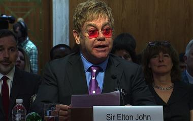"Elton John: U.S. Congress ""has the power to end AIDS"""