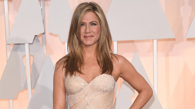 "Jennifer Aniston,Michael J. Fox和其他名人加入了""End Gun Violence""视频"