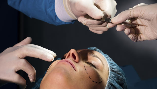 Instagram Cosmetic Surgery Posts Increasing Risks and Death