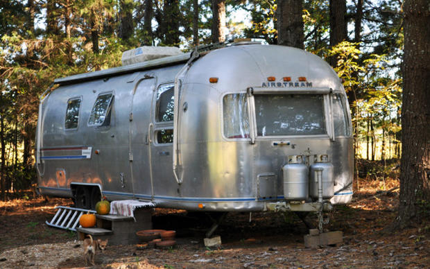 7 tiny trailers made into homes - CBS News Tiny Trailors Mobile Home on pod homes, 1000 sq ft. small homes, busses from tiny homes, tiny key west homes, 400 sq ft. small homes, tiny pueblo homes, mini custom homes,
