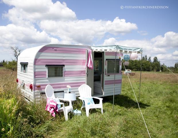 7 tiny trailers made into homes - CBS News