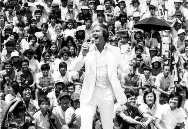 pat-boonevietnamese-refugees-camp-pendleton-july-1975.jpg