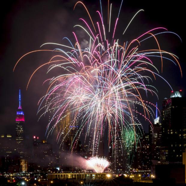 fireworks-reuters-nyc-rtx1j1qi.jpg