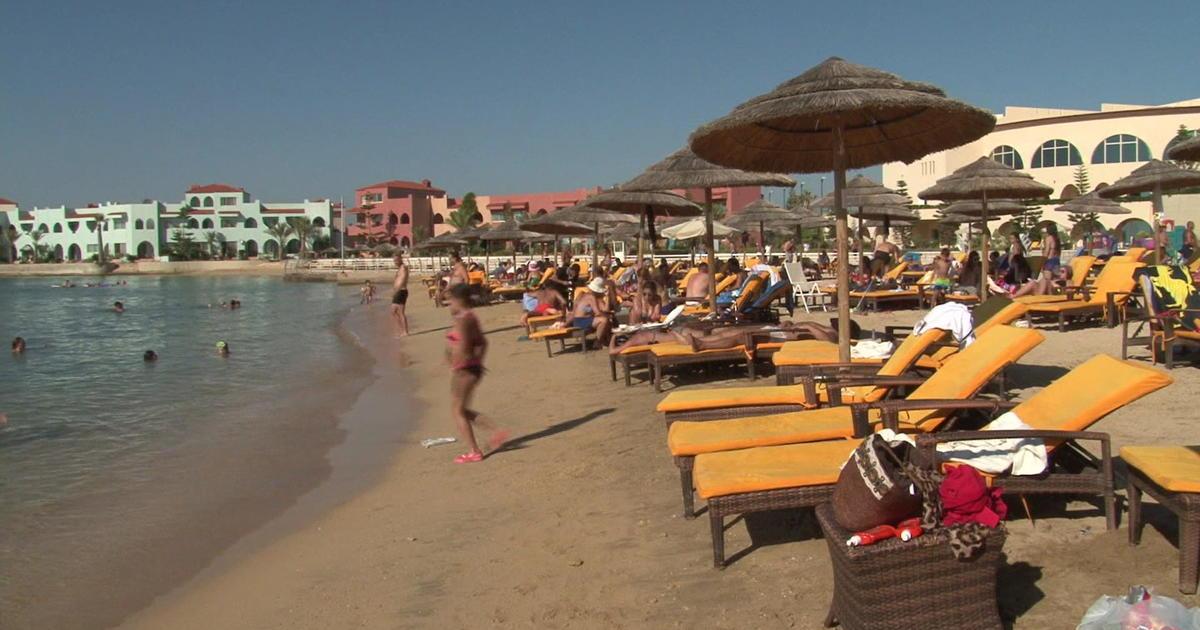 War Encircles Popular Summer Vacation Spot In Syria Cbs News
