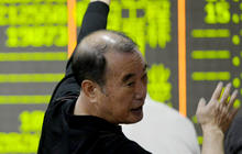 China tries to stem plunging stock prices