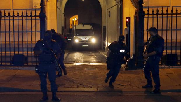 A police van believed to be transporting Moroccan Ayoub el Khazzani leaves the courthouse in Paris