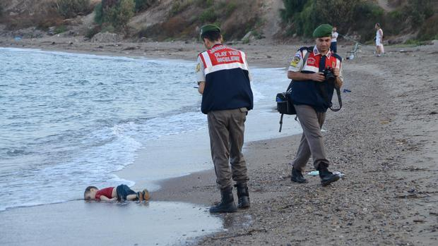 Photo of drowned migrant boy shocks world