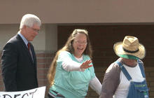 Legal troubles may not be over for Kentucky county clerk freed from jail