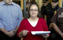 Kim Davis returns to work after 5 days in jail