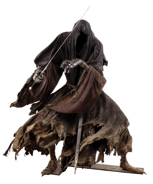 ringwraith-screen-used-costume-display-from-the-lord-of-the-rings-trilogy.jpg