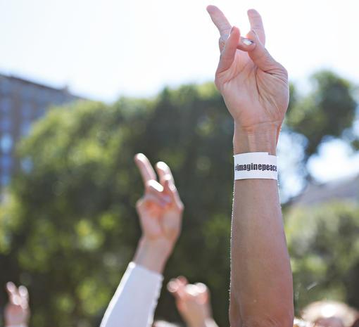 Yoko Ono's human peace sign