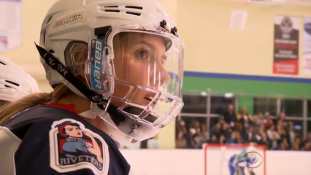 Puck Drops On First Ever U S National Women S Hockey League Cbs News
