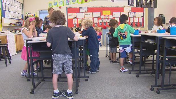 Elementary Classrooms Without Desks : Vallecito elementary school in northern california brings
