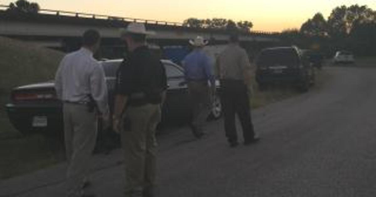 Fishermen find dismembered body in southeastern Texas - CBS News