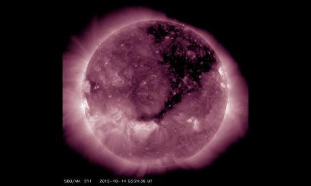 huge-coronal-hole.jpg