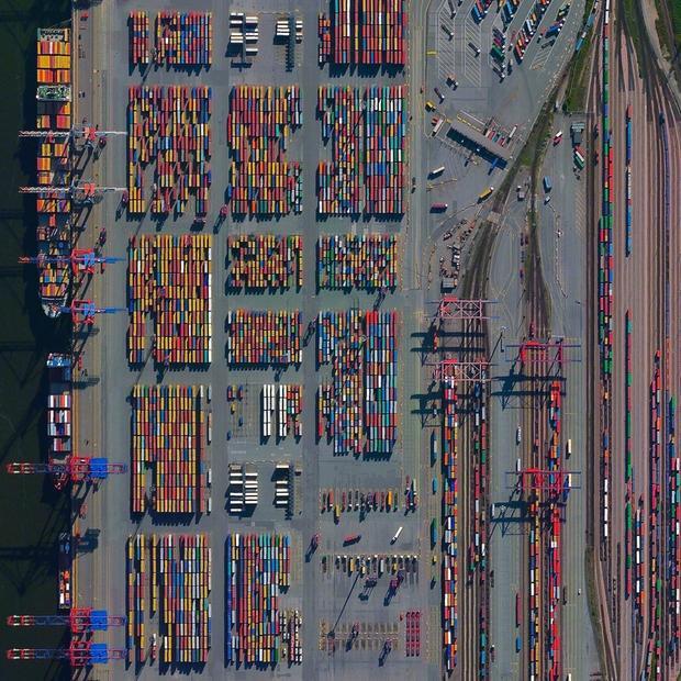 port-of-hamburg.jpg