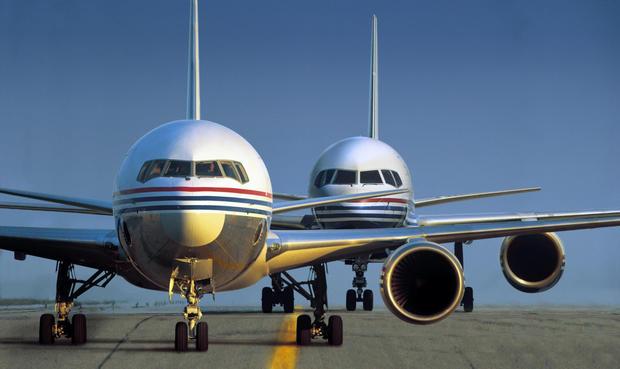 14-boeing-100-years-767-left-757-right.jpg
