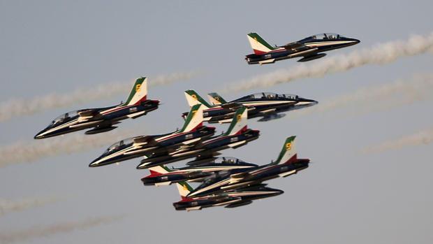 Flying high at the 2015 Dubai Airshow