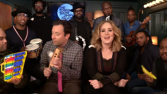 "Adele,Jimmy Fallon和The Roots用教室乐器演奏""你好"""
