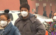 China shuts down businesses and schools due to smog