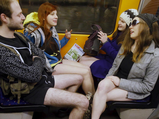 no-pants-subway-ride-vienna-rtx21qtr.jpg