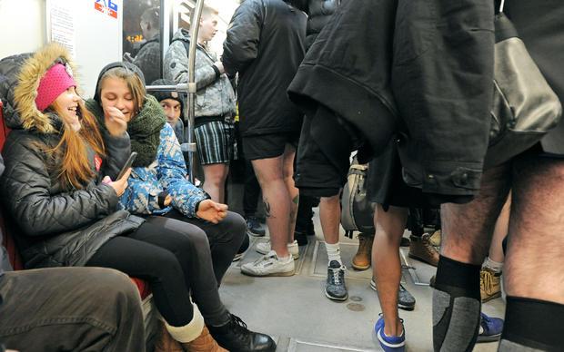 Flashing in nyc subway - 3 6