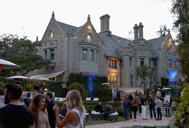 A Look Inside The Playboy Mansion Cbs News