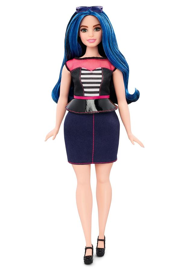 01-barbie-curvy-dmf29c16173fulllengthtcm718-118031.jpg
