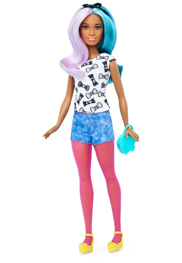 21-barbie-petite-dtf05108fulllengthpackouttcm718-118132.jpg