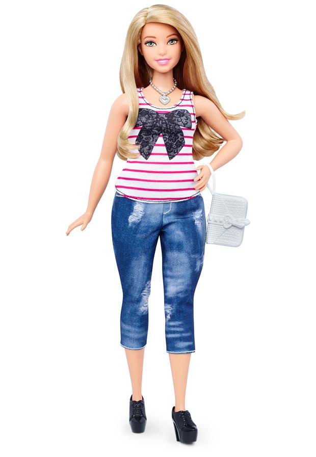 05-barbie-curvy-dtf00069fulllengthpackouttcm718-117919.jpg