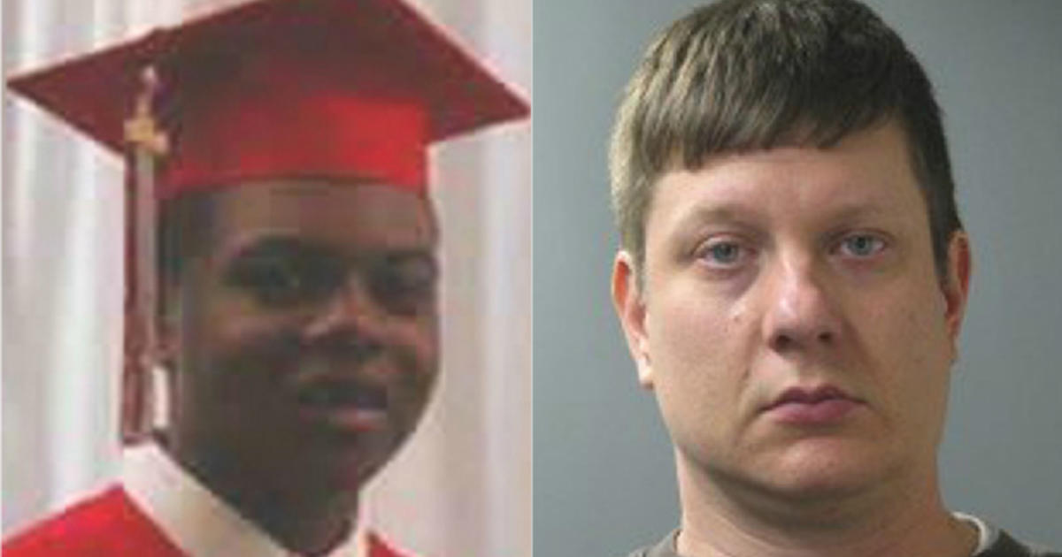 Chicago police officer picks jury trial in Laquan McDonald's shooting death