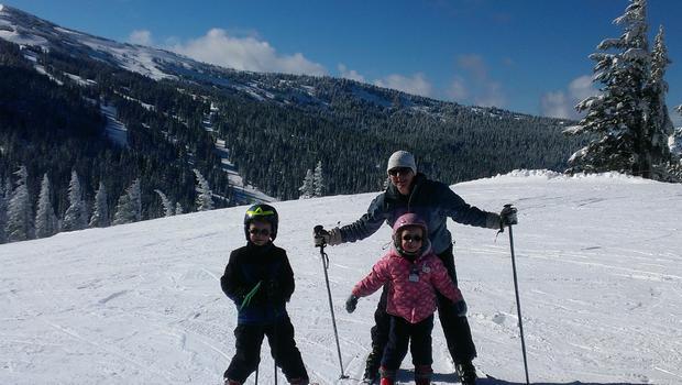 family-skiing.jpg