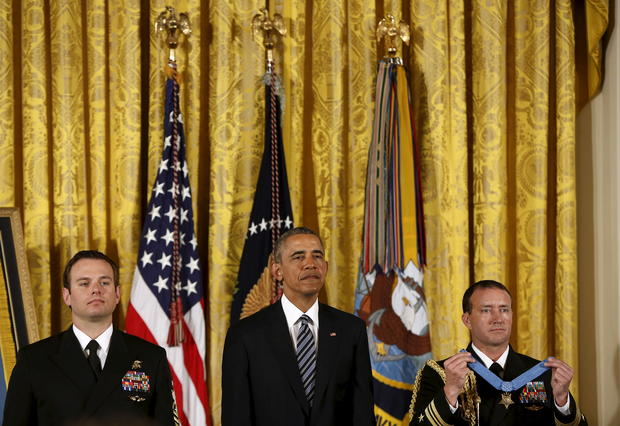Navy SEAL receives Medal of Honor