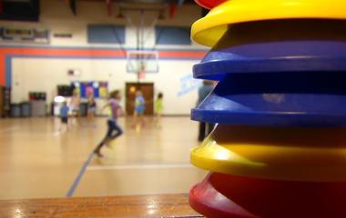 Schools shortchange kids on phys ed