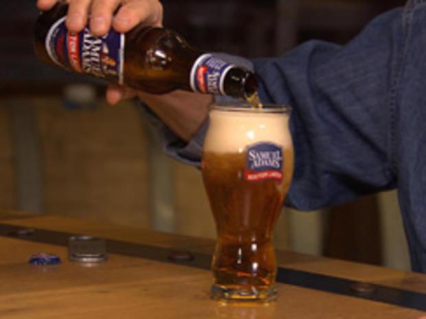 samuel-adams-pouring-a-glass-244.jpg